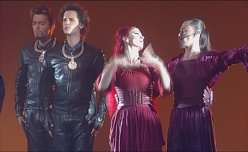 """[Captures DVD] Nuno dans la chanson """"Verone"""" - Page 2 Sans_t19"""