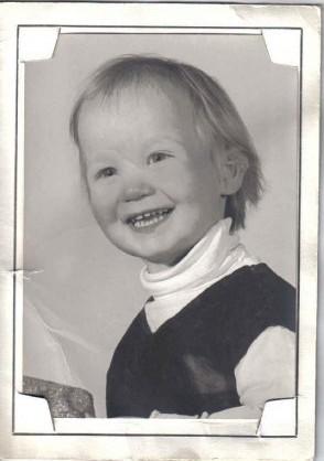 moi petite  a 2 ans  Moi_2_10