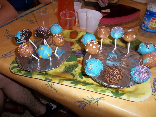 Cake pops - Page 6 100_0512