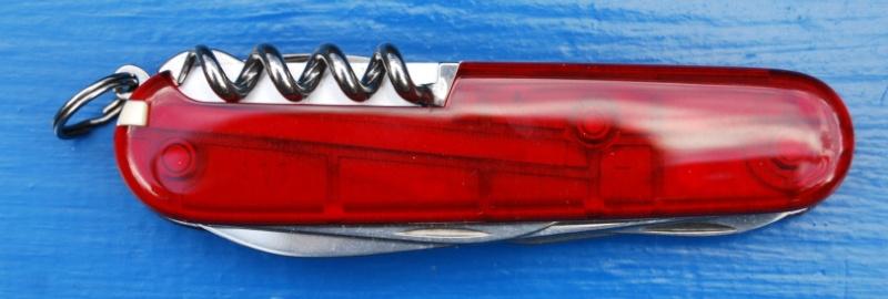 Couteaux suisses (Victorinox et Wenger) Autric11