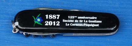 Couteaux suisses (Victorinox et Wenger) - Page 3 Gentia10