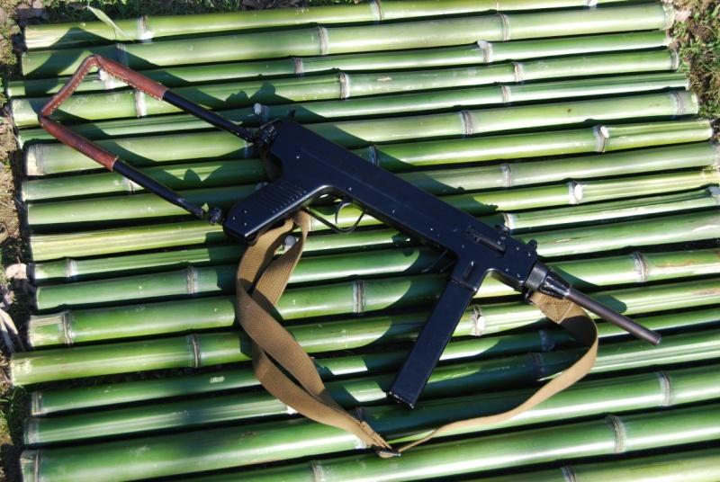 Pistolets-mitrailleurs : on n'en parle pas beaucoup ! - Page 5 M410