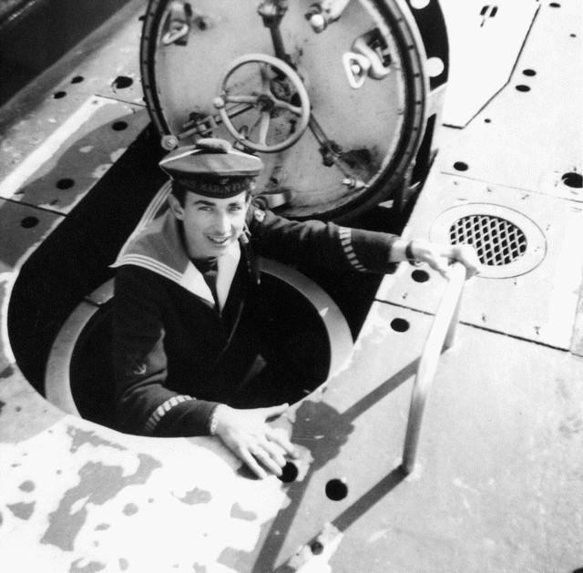 [Les Musées en rapport avec la Marine] Sous-Marin  Flore - Page 11 D_08410