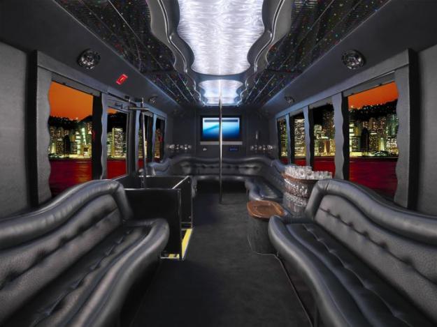 COE GMC limo bus ( suite du 12 / 09 / 2012 ) - Page 5 08j10