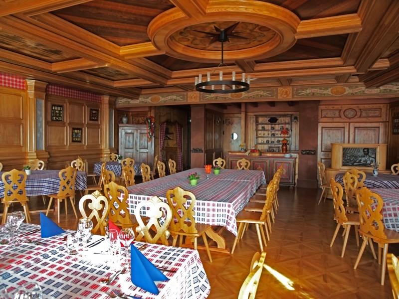 Restauration. Salle Alsacienne Pa052710