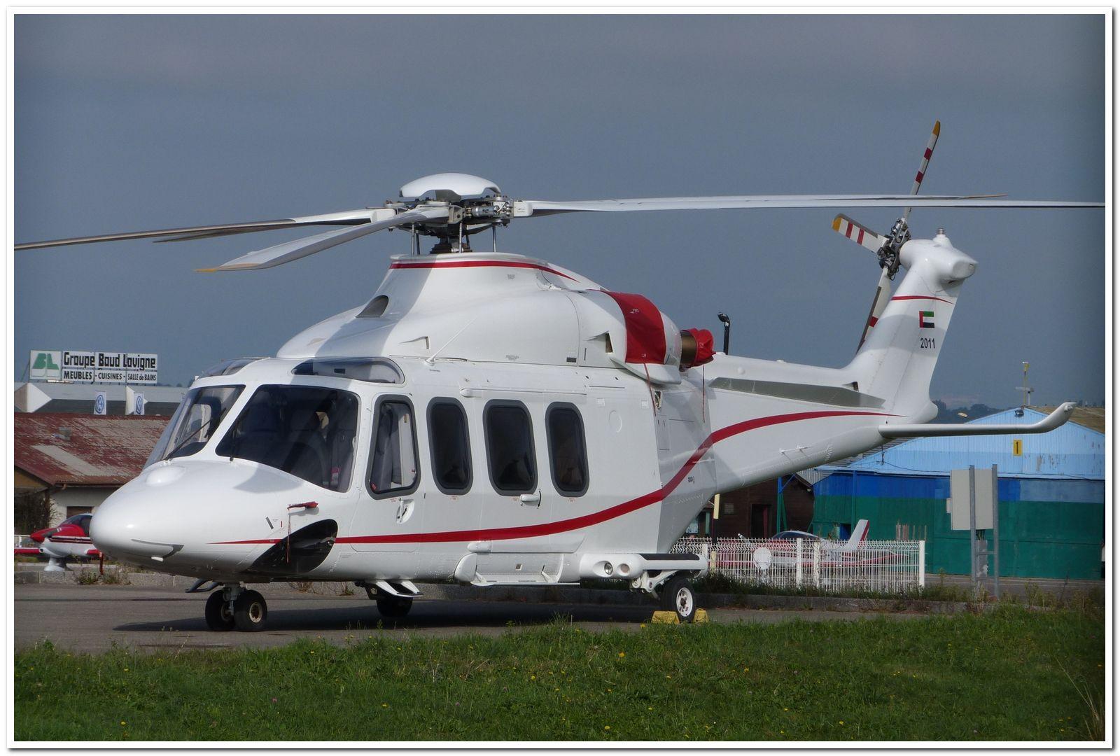 [29/07 - 16/08/2012] : Annemasse, Courchevel, Annecy, Chamonix... : Hélicos et avions dans les Alpes , le retour! Agusta10
