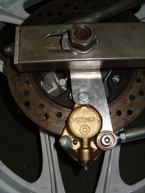 BEAU GOMMARD POUR VRAIE MACHINE DE COURSE - Page 2 Hpim5015