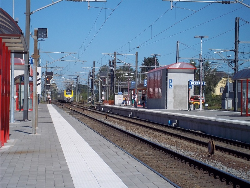 Photos de la gare de Bertrix - SNCB - 2012 // Bahnhof Bertrix // 100_3521