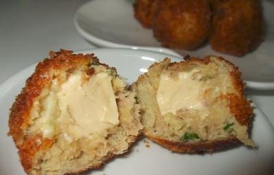 كريات البطاطس بالجبن و التونة    Cheesy12