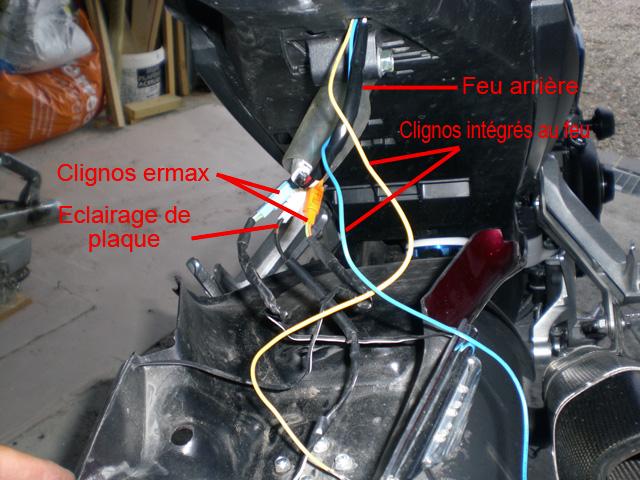 [TUTO] Installer un feu arrière avec clignotants intégrés Cimg0213