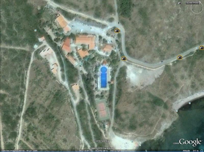 Les piscines du Monde découvertes avec Google Earth - Page 10 I_bleu10