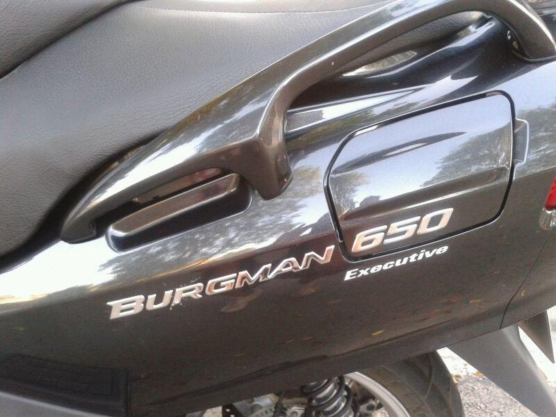 SE VENDE SUZUKI BURGMAN 650 EXECUTIVE 100app14