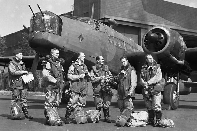 Royal Air Force WW2 Irvin_13