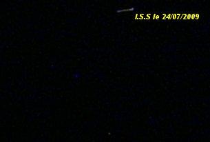 2010: Le 05/06 vers 21h00 - Sphère Noire dans le ciel de Paris - (75) - Page 3 Zoom_s13