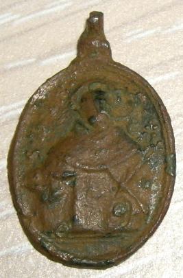 Médaille XVIIème - N-D-du-Rosaire et avers saint Dominique de Soriano Imgp1512