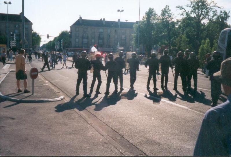Les ultras et la police - Page 2 Troyes11