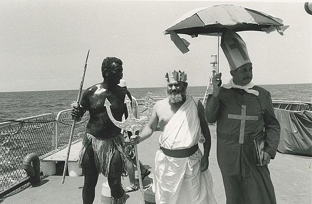 [ Les traditions dans la Marine ] LE PASSAGE DE LA LIGNE - ÉQUATEUR (Sujet unique) - Page 5 Ligne_10