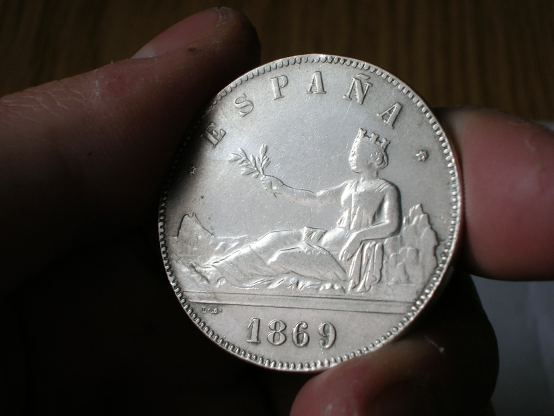 Reproduc. sobre 20 centimos 1869 y 5 pesetas 1869 Dscn2111