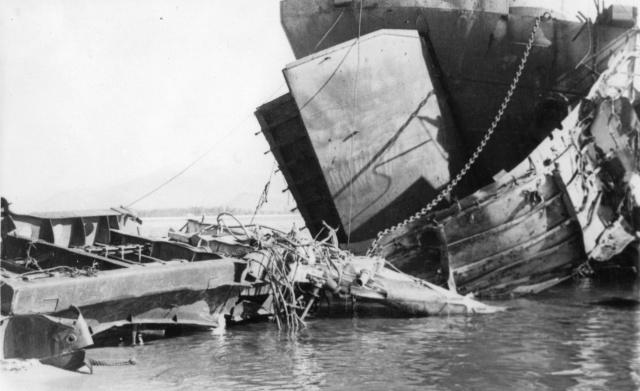 [Divers Navires amphibies] Les LST - Page 20 Lst_ad17