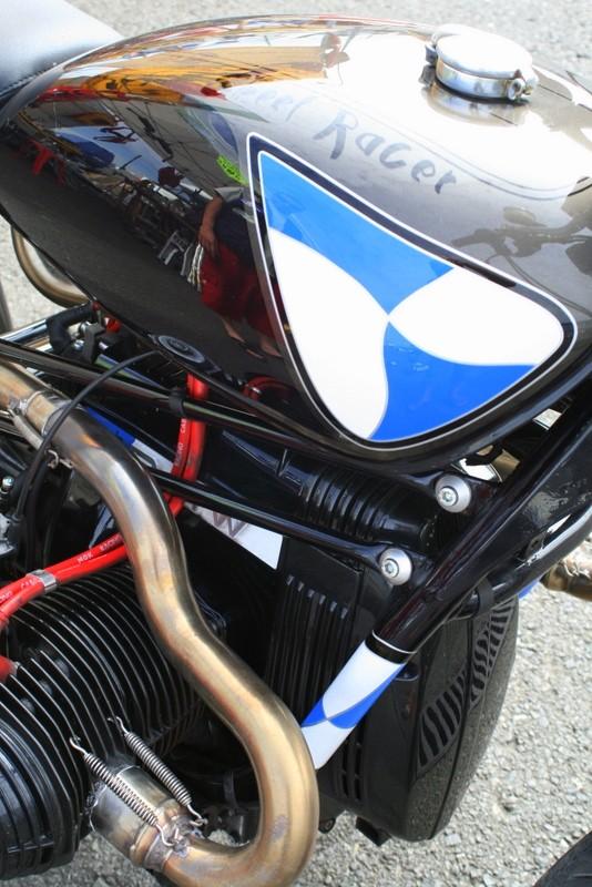 C'est ici qu'on met les bien molles....BMW Café Racer - Page 4 Img_9517
