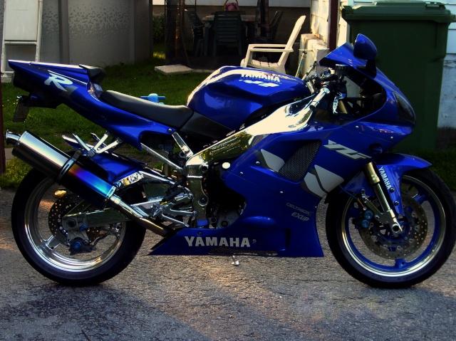 a propos des plaque de moto sport S7000112