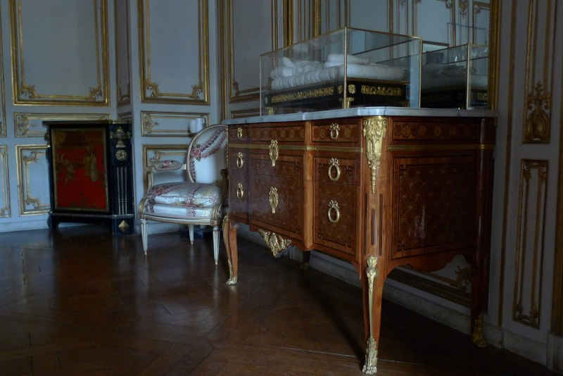 L'appartement de Mme du Barry à Versailles - Page 2 P1050024