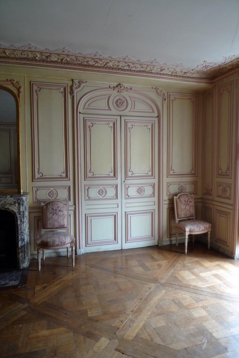 L'appartement de Mme du Barry à Versailles - Page 2 P1050032