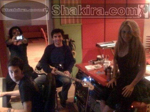 CENTRO DE INFORMACION DEL NUEVO ALBUM DE SHAKIRA (ACTUALIZADO CON 4 FOTOS NUEVAS) 11 de Enero, 2009 10710