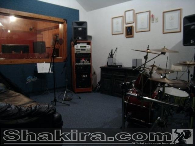 CENTRO DE INFORMACION DEL NUEVO ALBUM DE SHAKIRA (ACTUALIZADO CON 4 FOTOS NUEVAS) 11 de Enero, 2009 10910