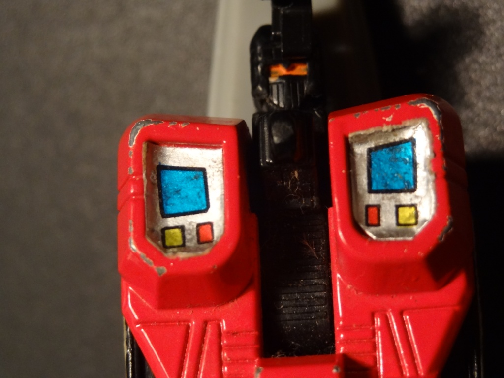 L'alliance Gobots/Transformers débarquent dans le 71 ! Dsc00615