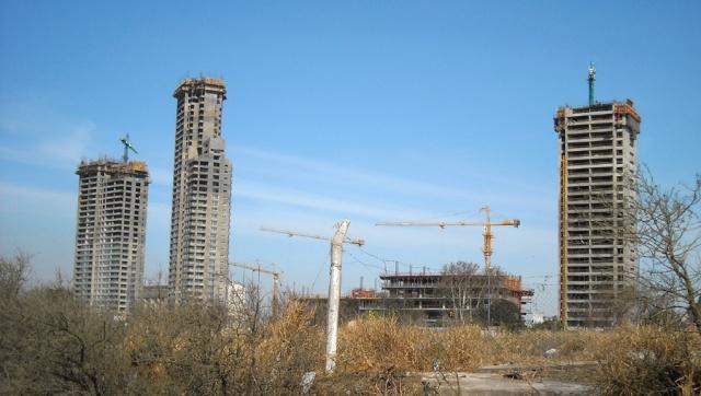 APOSTEMOS AL SECTOR DE LA CONSTRUCCIÓN Dscn0011