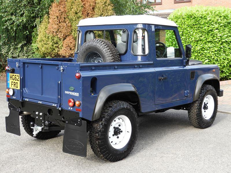 Fabrication Land Rover Pickup Defender D90 pour Léo - Page 2 Land-r11
