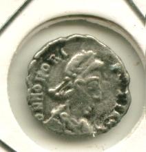 Media silicua de Honorio, VICTORIA AVGG [WM n° 8465] Image125