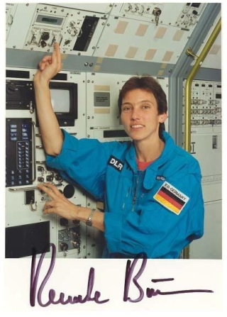 La place des femmes dans l'astronautique - Page 4 Braomm10