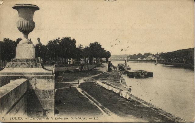 TOURS - Les Quais de la Loire vers Saint-Cyr Tours010