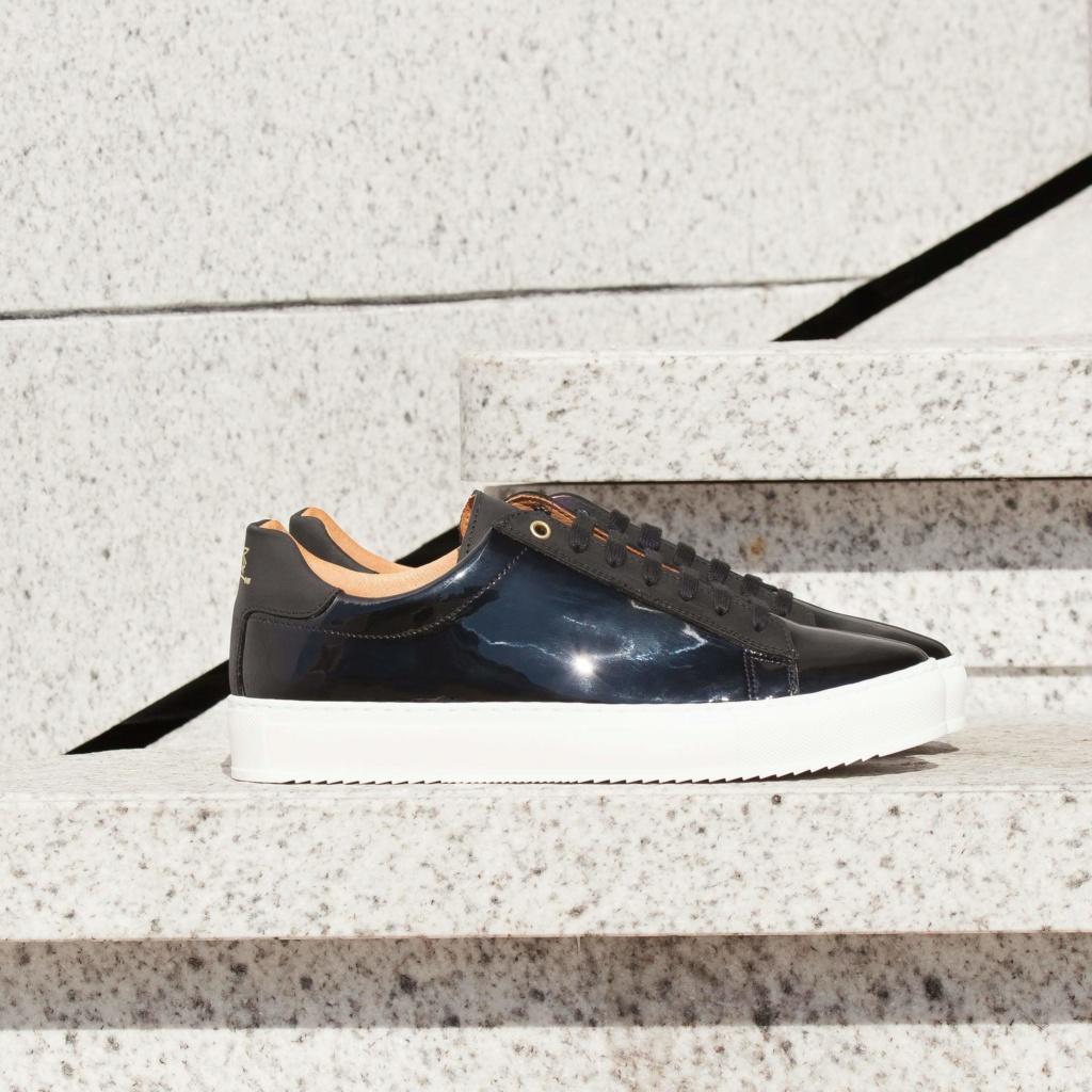 Sneakers  378210