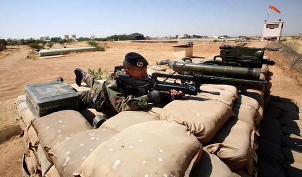 reportage photo de nos soldats au tchad au sein de eurofor 27493710