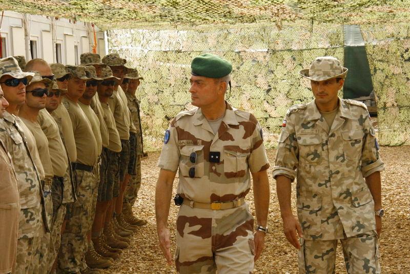 reportage photo de nos soldats au tchad au sein de eurofor 28278810