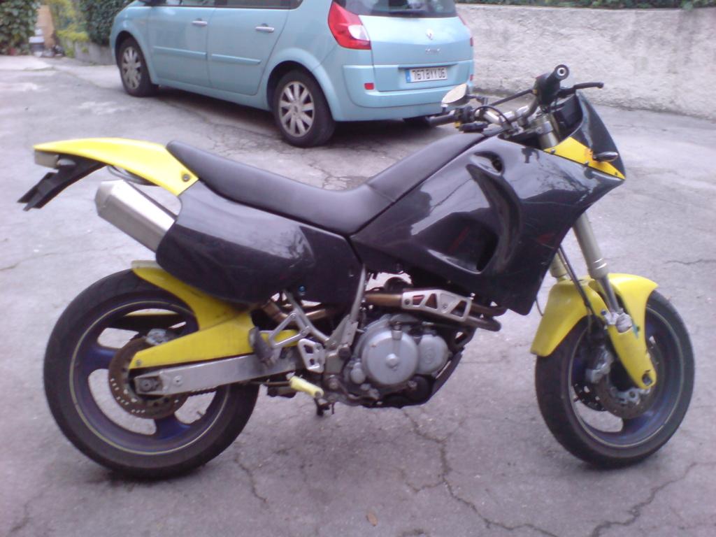 Votre première moto? Dsc00810