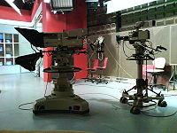 تجهيزات استوديوهات التلفزيون 200px-10