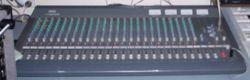 تجهيزات استوديوهات التلفزيون 250px-12