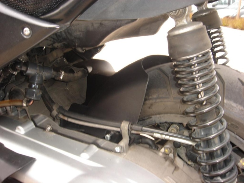 Lèche Roue du Fuoco/MP3 quand Peugeot rime avec Piaggio..... Lr-gau10
