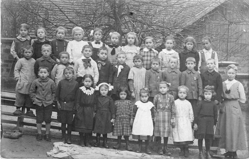 Les écoles d'hier à Wangen - Page 2 Numari13