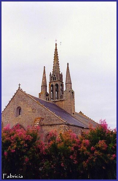 Monuments, gares, châteaux,... dans le monde - Page 7 Chapel10