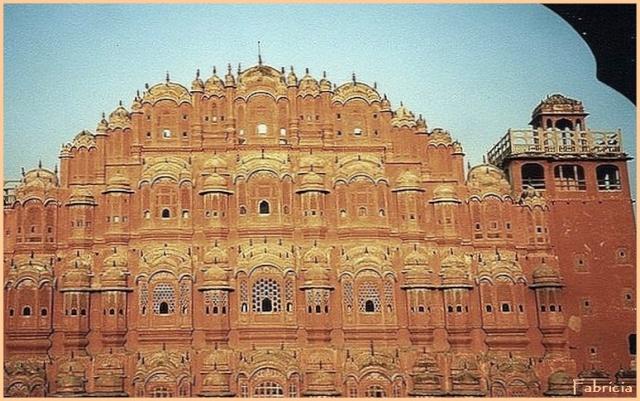 Monuments, gares, châteaux,... dans le monde - Page 7 Jaipur10