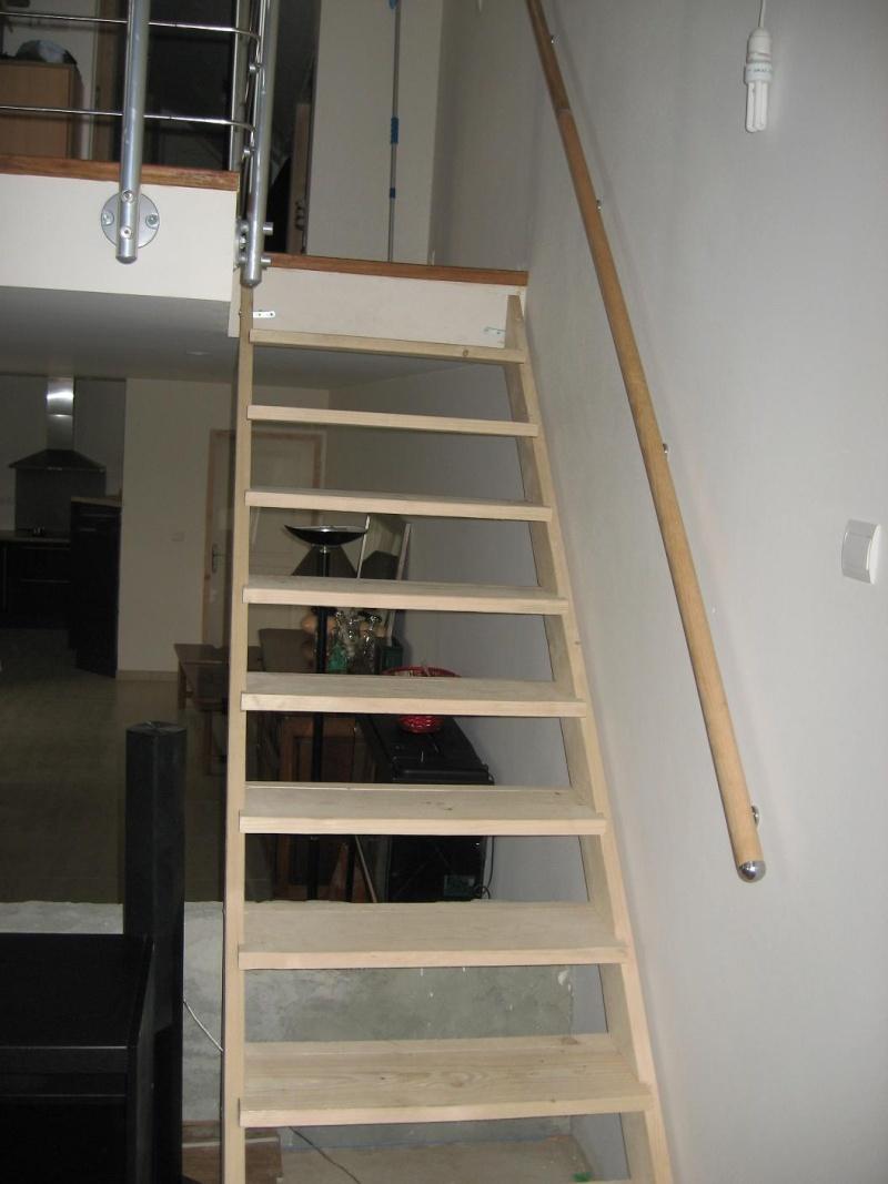 peindre un escalier en pin brut Escali12