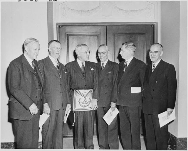 El presidente Harry S. Truman 745px-10