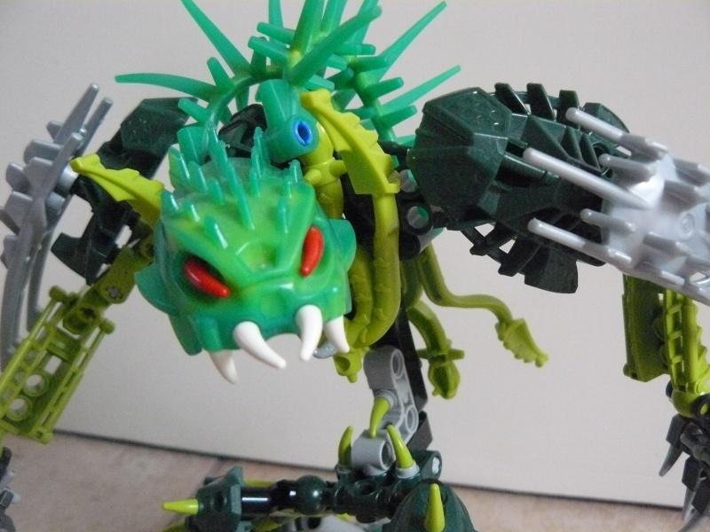 [MOC] Le monstre des forêts P1030826