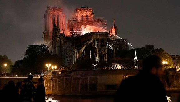 Incendie à Notre Dame de Paris en avril 2019 Notre_10
