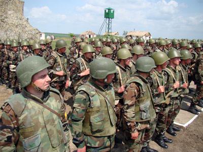 Forces armées moldaves - Page 2 20090410
